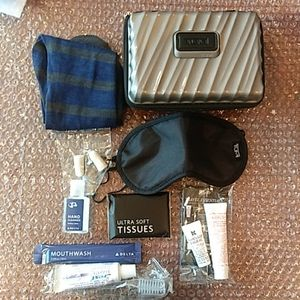 Tumi Amenity travel kit